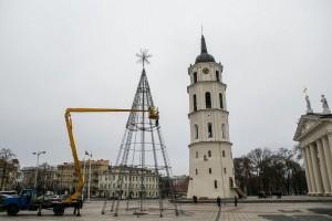 Vilniaus kalėdų eglės puošimas